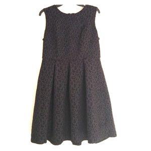 Black leopard sleeveless dress